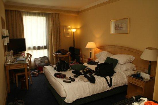 Sonesta Hotel, Tower & Casino Cairo: Hotel Room - Sorry our belongings
