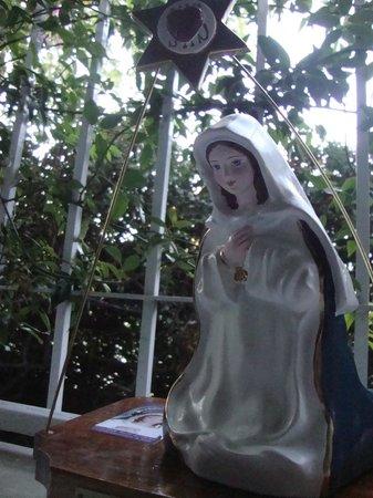 Virgen de los Tres Cerritos: humilde