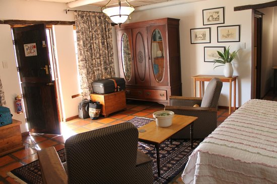 De Opstal Country Lodge: Inside the room