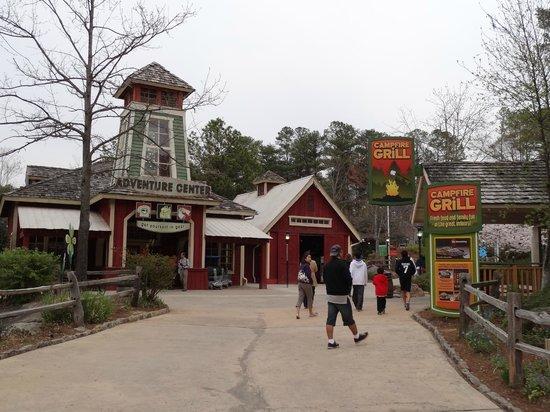 Stone Mountain Park: Town area