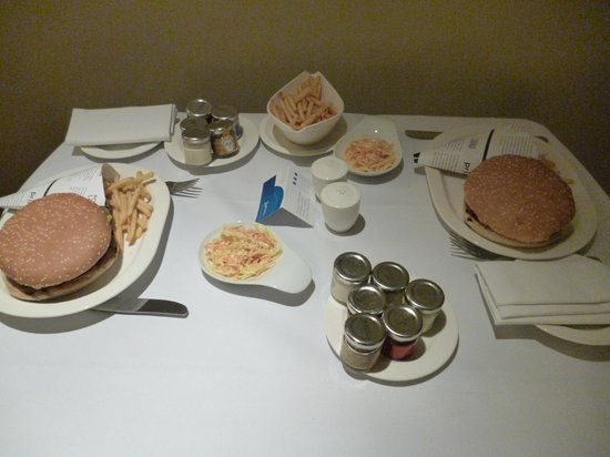 Radisson Blu Hotel Bucharest: room service dinner