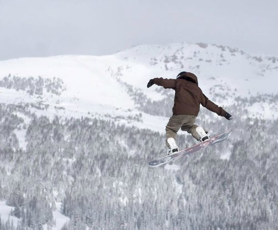 Sunshine Mountain Lodge: It's fun to watch people in the terrain park.