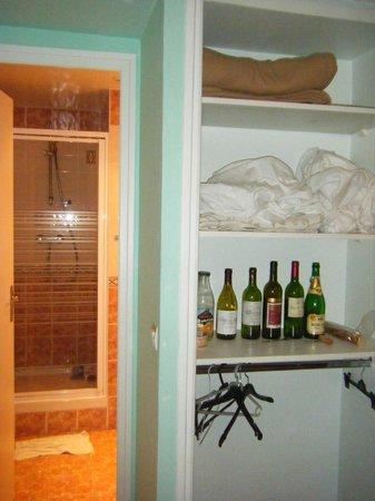 Hotel Audran: Plenty of space to stash wine