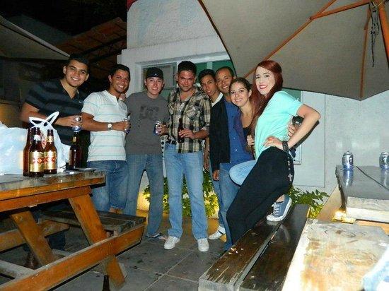 Hostel Guadalajara Hospedarte: fue el ultimo dia y decidimos quedarnos con los amigos que hicimos (PD limpiamos...)