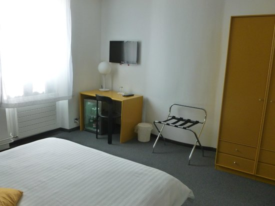 Hotel Glanis : La chambre