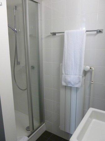 Hotel Glanis : La salle de bain