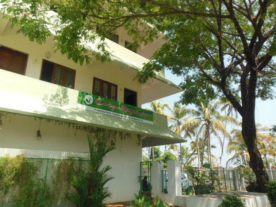 Cosy Regency : Green areas around the hotel