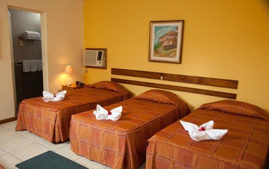 Hotel Acosta: Triple Room