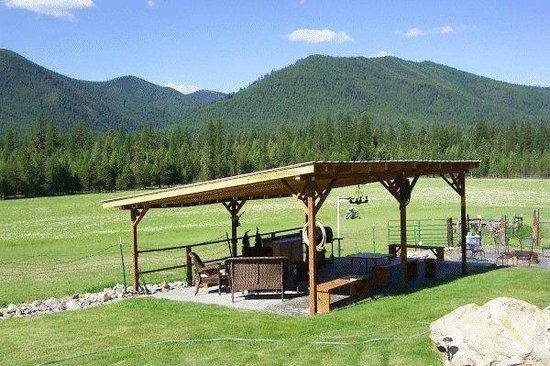 Cowboy Up Montana Roadhouse Dinner & Bed : Enjoy a wonderful dinner on the lower patio
