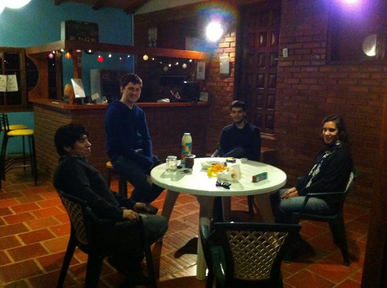Poramba Hostel: noche en el poramba