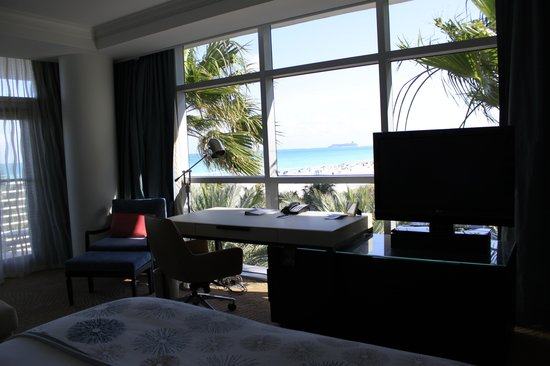 The Ritz-Carlton, South Beach: Vue depuis le lit