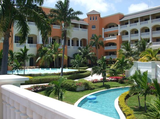 Iberostar Rose Hall Suites: gardens