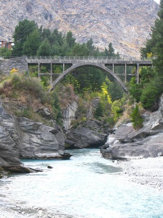 Shotover Lodge: Shotover River (just a couple of minutes away)