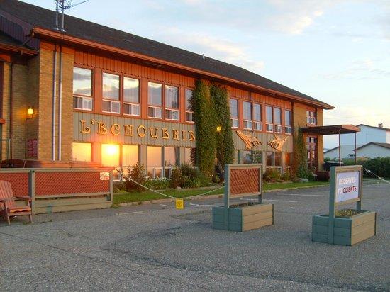 Auberge Internationale Ste-Anne-Des-Monts: La Vieille École