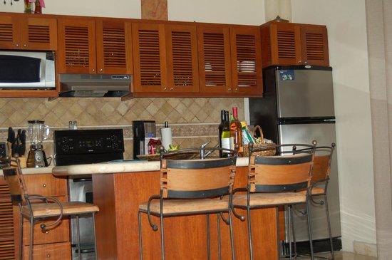 Porto Playa Condo Hotel & Beachclub: kitchen