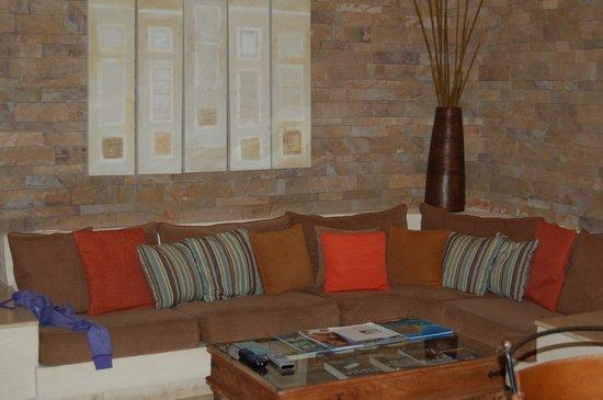 Porto Playa Condo Hotel & Beachclub: couch