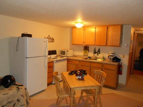 Farzwego Winter Nights: Full kitchen
