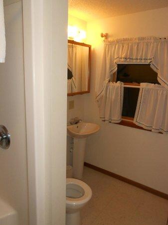 Farzwego Winter Nights: Bathroom w/shower