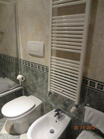Hotel Al Ponte Mocenigo: Bathroom