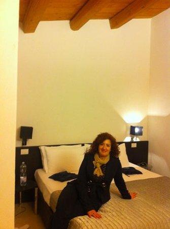 Disio Ristorante : Mia moglie nella camera Aurora