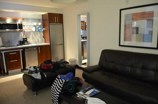 Suites at Congress Ocean Drive: Sala/Cozinha