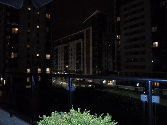 Park Inn by Radisson Manchester, City Centre: View from balcony bar at the rear of the hotel