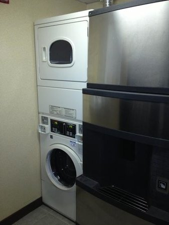 The Inn At Lenox View: laundry & ice