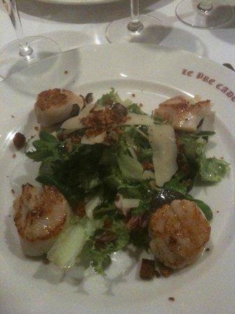 Le Pré Cadet : La salade de noix de St-Jacques contisées à la truffe