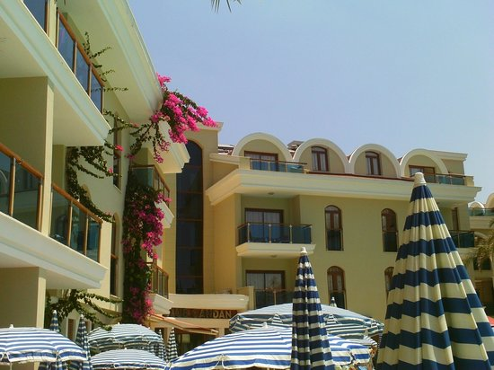 Candan Club Hotel: Main hotel