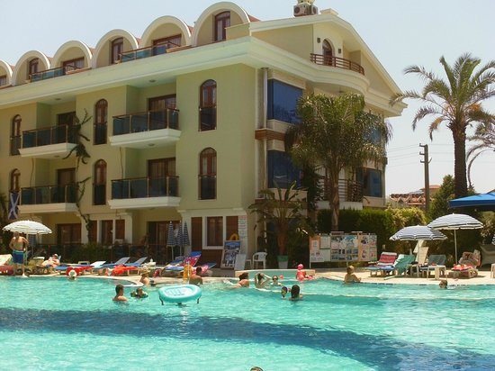 Candan Club Hotel: Main hotel block