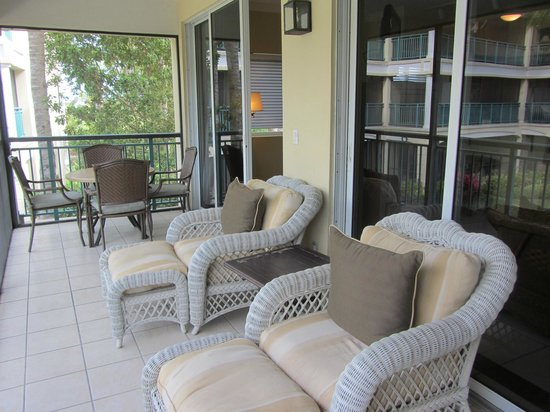 Sands at Grace Bay: Comfortable screened porch.