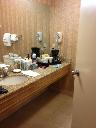 Inn on the Square: Bathroom Counter Space