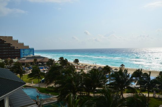 JW Marriott Cancun Resort & Spa: beach