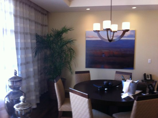 Allison Inn & Spa: Grand Suite dining area