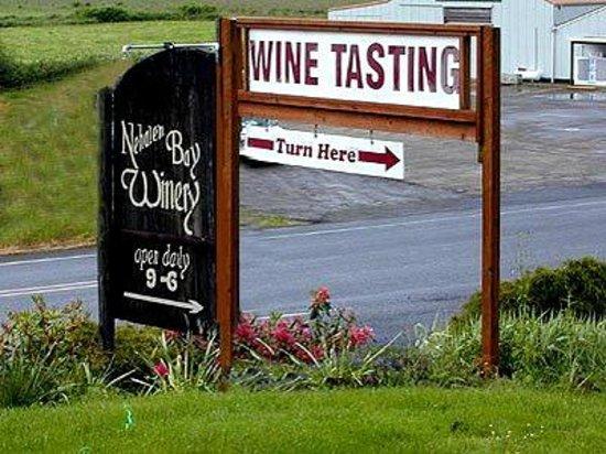 Nehalem Bay Winery: Tasting room sign