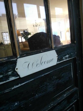 "The Ledge House Bed and Breakfast: Loved the ""welcome"" door"