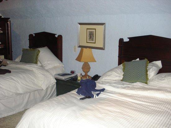 Hotel Lo De Bernal: Camas en mi habitación doble...
