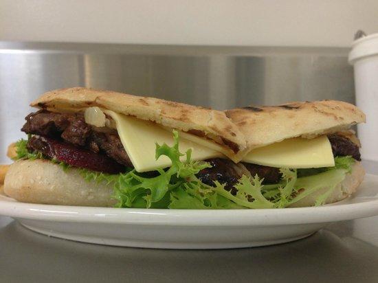 The Tolga hotel: Steak sandwich