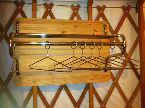 Yosemite Lakes RV Resort: Hangers!