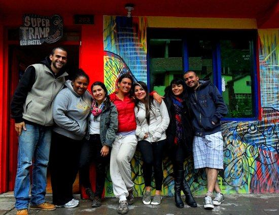 Supertramp Eco Hostel: Los chicos del staff!