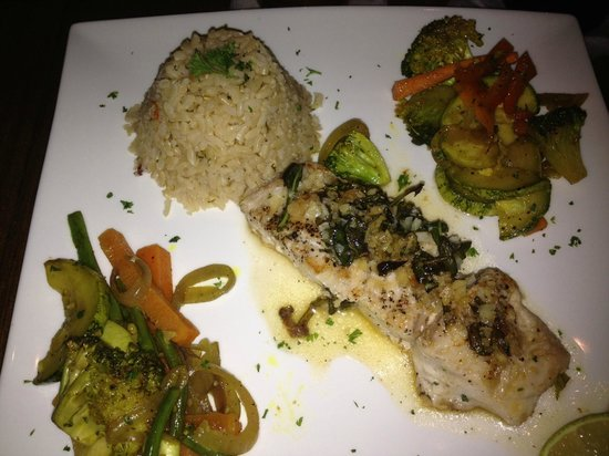 Jungle Love Cafe: Sea Bass, curried vegetables and brown rice
