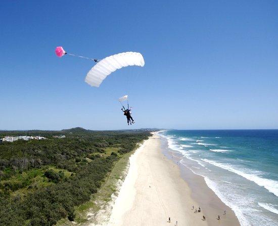 Skydive Ramblers: Coolum Beach Tandem Beach Landings