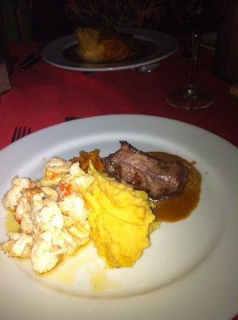 The Houseboat Grill: surf and turf