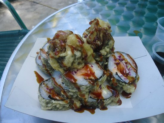 Juanita Bananas : Salmon crunch sushi