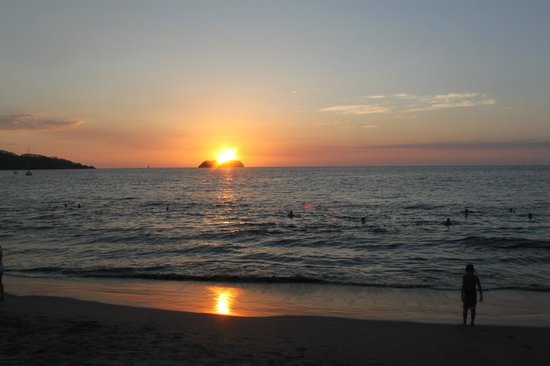 Villas Sol Hotel & Beach Resort: Sunset from the beach