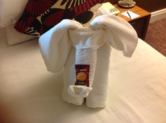 Hilton Dartford Bridge: towel arrangement