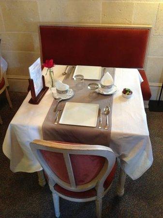 Augeval Hotel : petit déjeuner