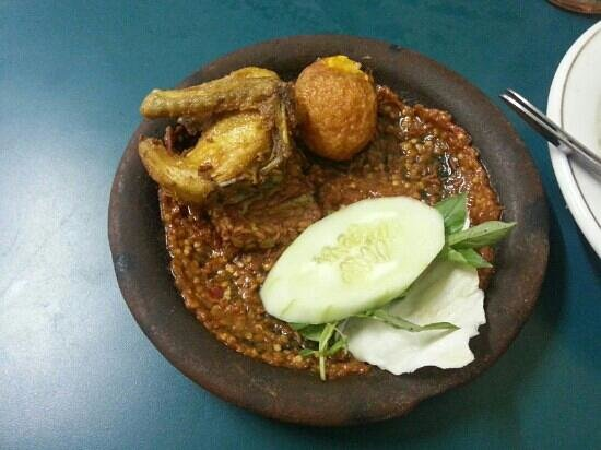 Warung Bu Kris : Spicy Ayam Penyet