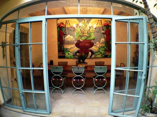 Casa Florida: dinning room