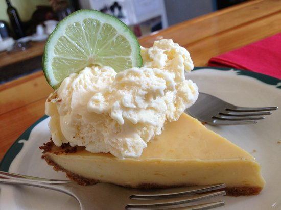Laughing Lizard Cafe: Yummy pie!